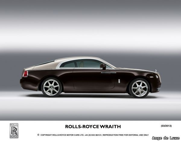 ROLLS-ROYCE WRAITH OFFICIALLY ARRIVES IN CANADA WITH DRAMATIC VANCOUVER UNVEILING