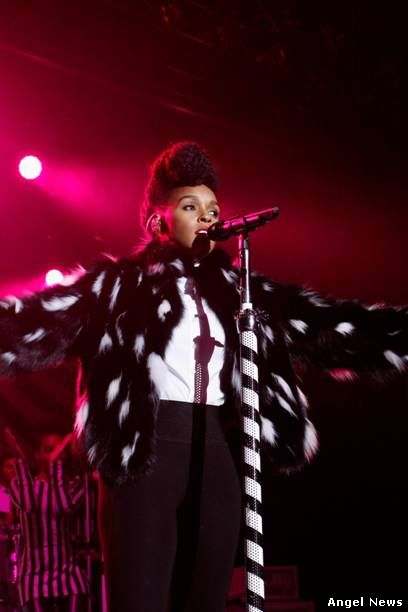 Janelle Monae chose to wear a limited edition PHILIPP PLEIN black&white coat for her performance @ Samsung Galaxy Owner Event hosted at the Best Buy Theater of NyC